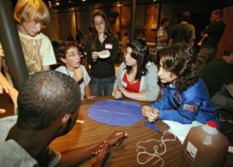2009 Honeywell Educators @ Space Academy Participant Sue Potrikus Helps Students with Final Project