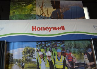 "Honeywell and 12 other organizations cooperated to bring ""Onondaga Lake: A Fresh Gateway to the New New York"" to the Fair."